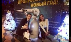 Рекламный робот на Прогрессивный Новый год для клиентов фитнес клуба Maxsimus. Казань