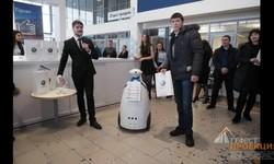 Гефест Проекция г. Казань предоставила на презентацию нового VW Tiguan рекламного робота